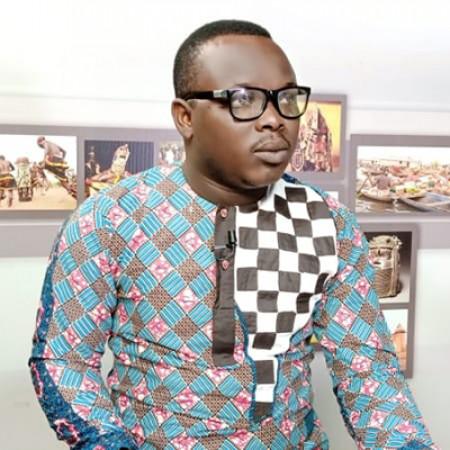 Patrick Bédié  ! Le présentateur vedette de la Beninoise TV. Un animateur atypique qui est à encourager.